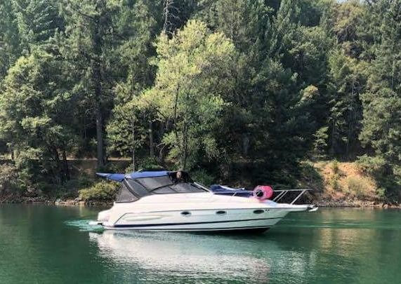 04 Maxim 29SE, complete remodel by James Boat and Fiberglass Repair, Dixon, CA - shown here on the water